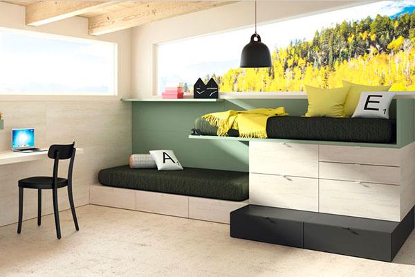 Llits per a nens amb estructura tipus tren per posar dos llits a una habitació