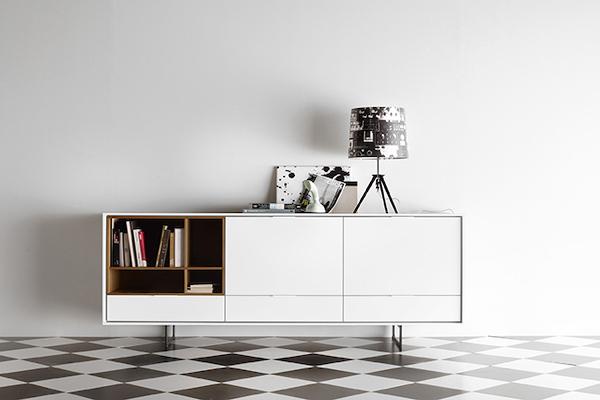 Aparador AURA de color blanco de la marca TREKU a Reus.
